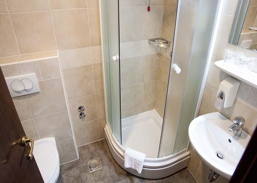 Kupaona u apartmanu hotel Continental