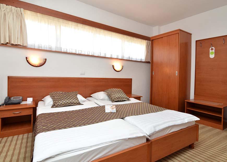 Economy jednokrevetna soba hotel Neboder