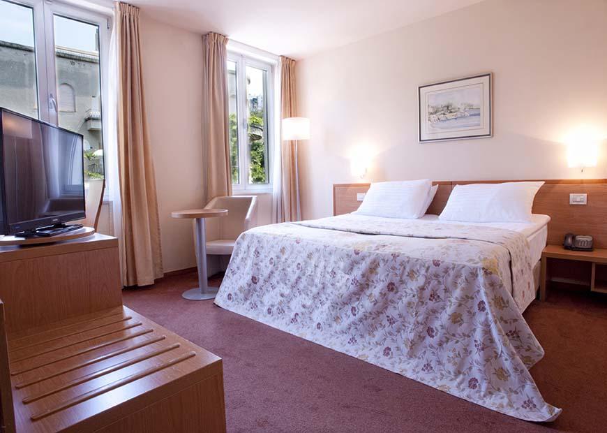 Standard dvokrevetna soba hotel Jadran